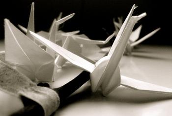 Beautiful_use_paper_crane_1